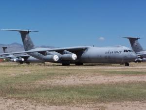 Lockheed C-141 Starlifter_1